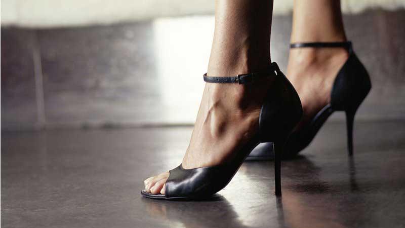 دلیل درد پا,تسکین درد پاشنه پا,آتروفی پوسته چربی