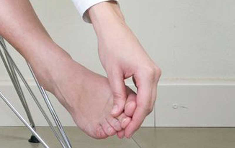 دلیل درد پا,تسکین درد پاشنه پا,نوروما