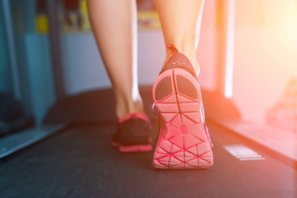 کاهش ضربان قلب راه رفتن روی تردمیل چربی پهلوها چاقی مرکزی چاقی شکمی پیاده روی اضافهوزن